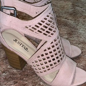 Cute ankle booties brand new!